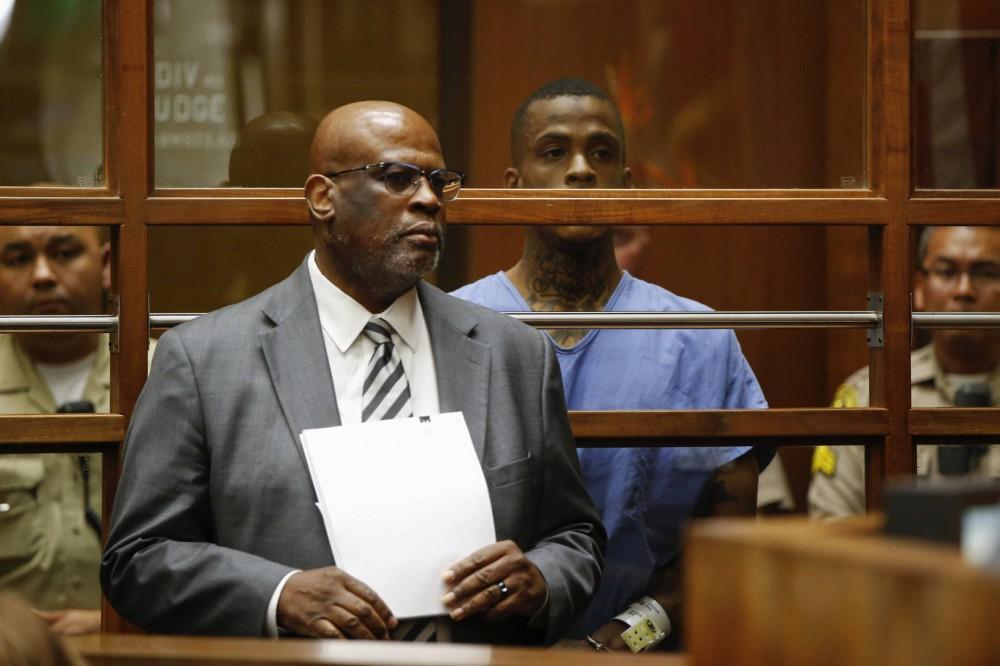 OJ Simpson Murder Trial Prosecutor Chris Darden Is Eric Holder's Defense Attorney
